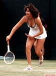 tennis_cleavage_peepshow_640_79